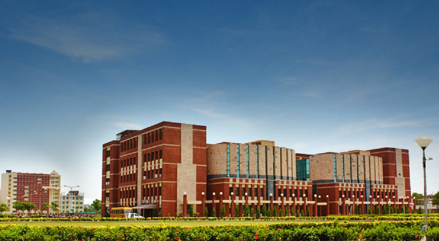 Amity School of Engineering - top best private university in India
